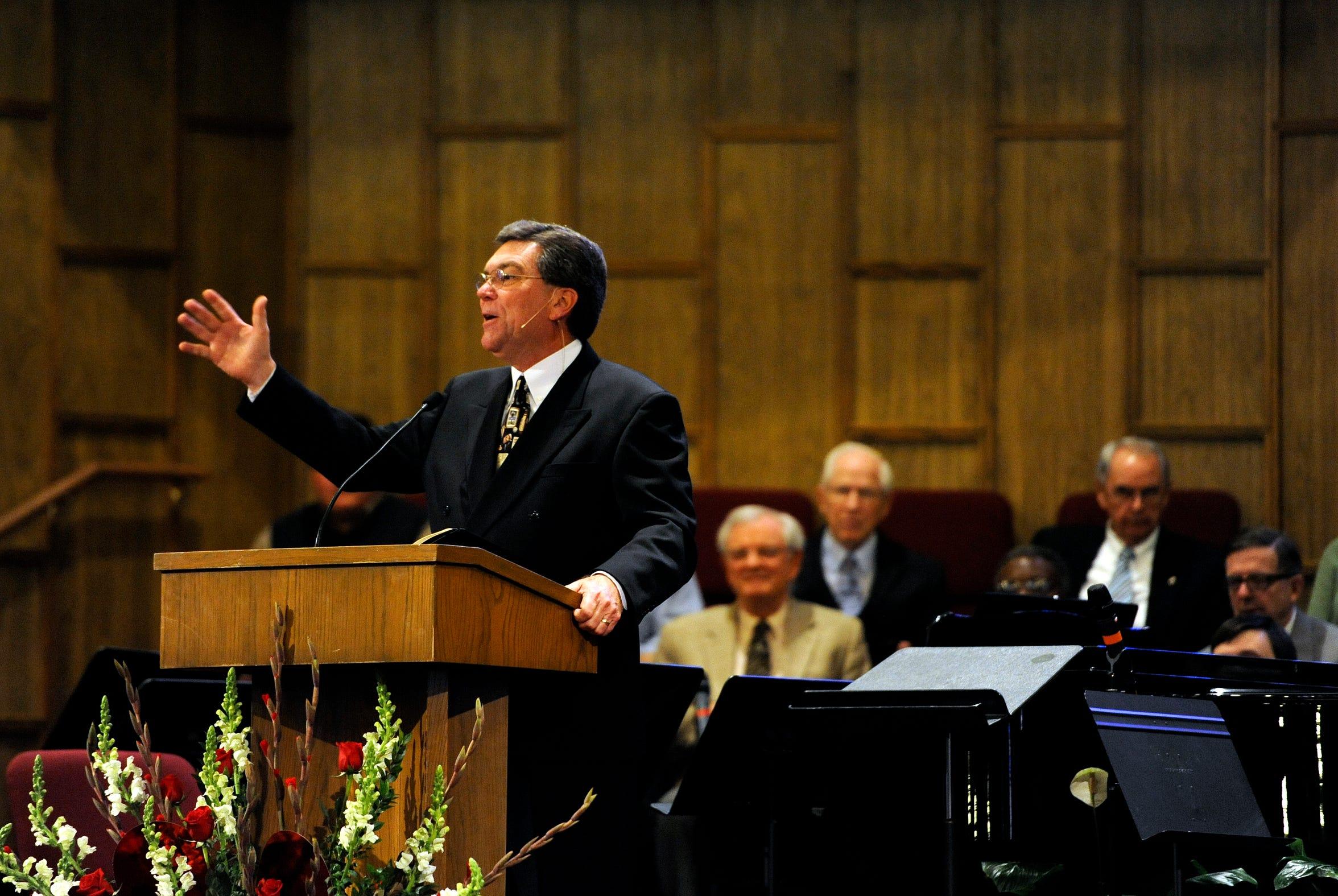 Stan Allcorn preaches at Pioneer Drive Baptist Church in 2012.