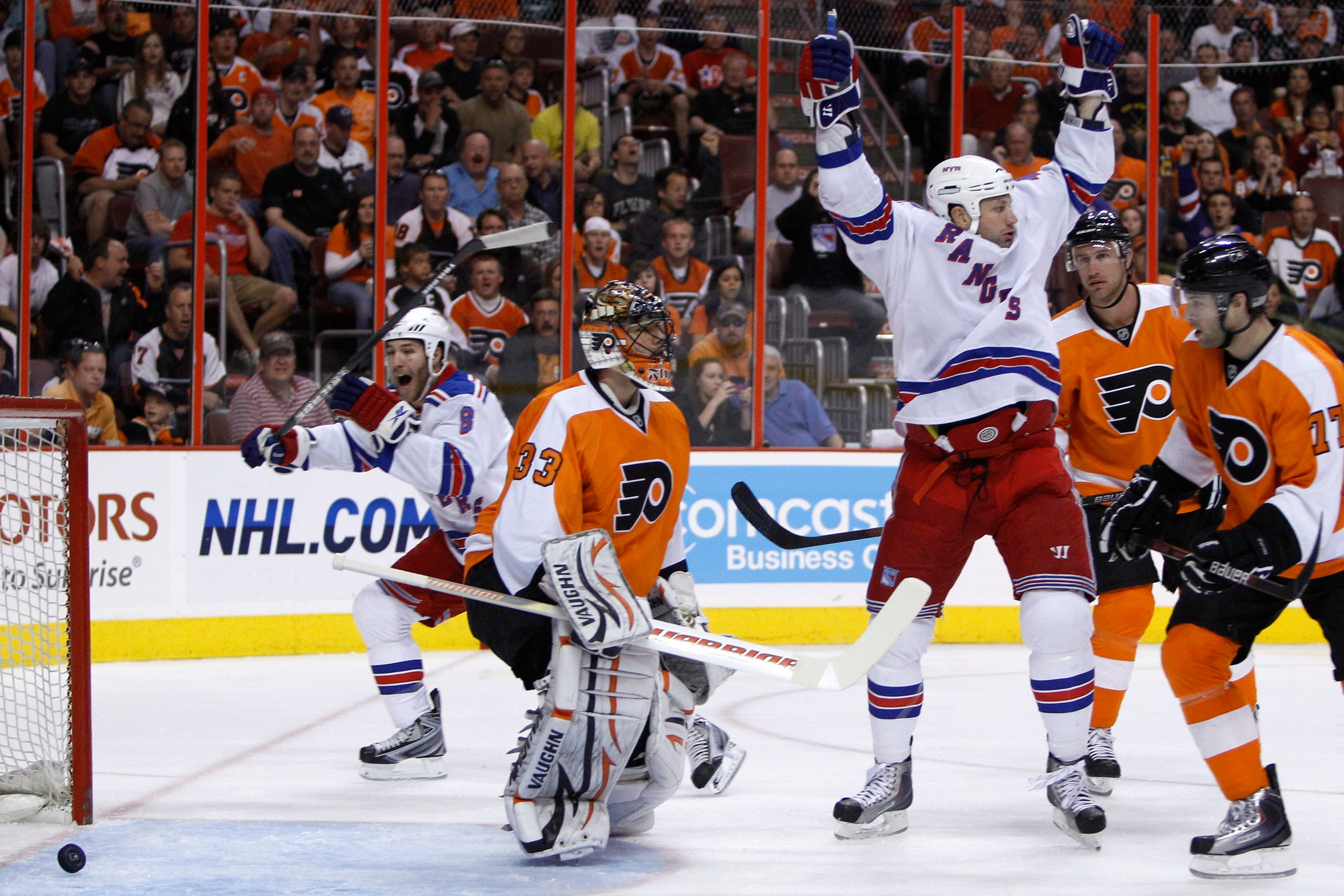 Jody Shelley, of the Rangers, tipped a goal past Flyers goalie Brian Boucher at 3:27 of the first period.