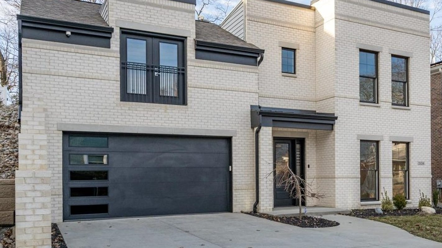 """On The Market: Ultra modern """"European contemporary'' house in Hyde Park"""