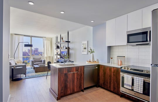 Modern and spacious, the upscale apartments at 7 Seventy House feature exceptional views of Hoboken and the Gold Coast of New Jersey.