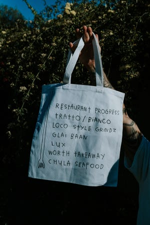 A tote bag campaign from Hold Your Fork food blogger Sidney Pearce raised questions about how best to support Phoenix restaurants during the coronavirus pandemic.