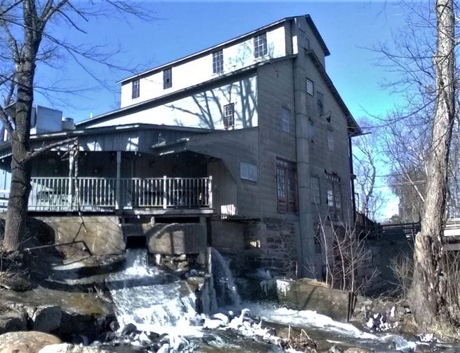 he Tuthilltown Grist Mill in the Town of Gardiner was established in 1788 by Selah Tuthill. Operating for more than two centuries, the site is now the first whiskey distillery to operate in Ulster County since the Prohibition era.