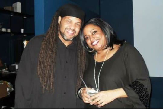 Laneeka Barksdale, right, with her brother, Omari Barksdale.