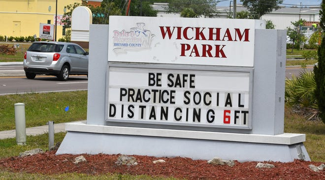 A sign for Wickham Park in Melbourne during COVID-19.