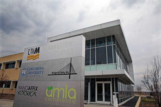 A plan to develop additional University of Wisconsin-Milwaukee buildings at Wauwatosa's Innovation Campus is being dropped in favor of a privately developed business park.
