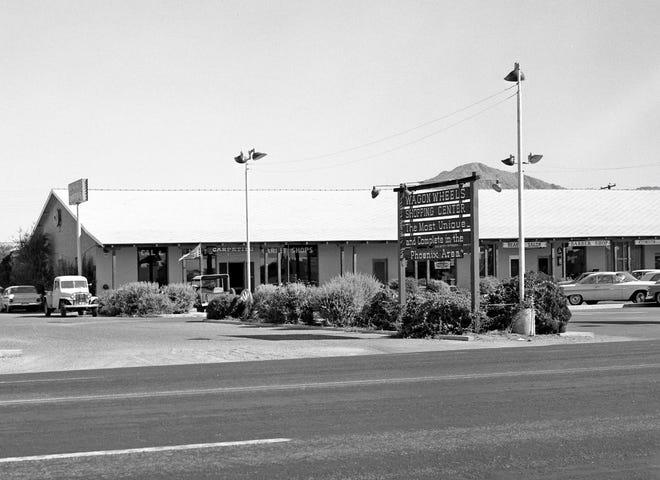 Wagon Wheel Shopping Center Along Thomas Rd And 44th St 1963
