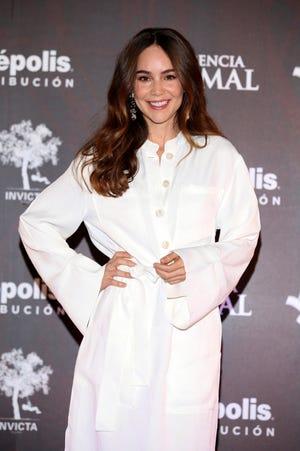 Camila Sodi anunció que este martes le darán el alta de Covid-19, porque lo ha superado.