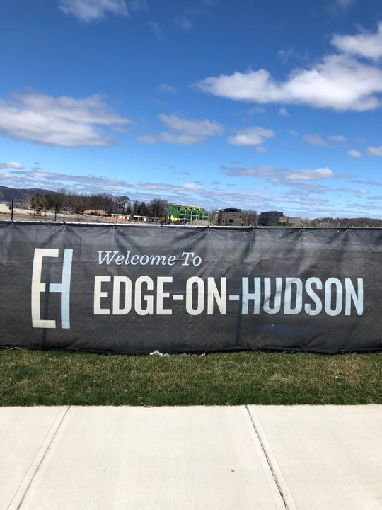 DeCicco & Sons has signed an agreement to open a new store at Edge-on-Hudson in Sleepy Hollow.