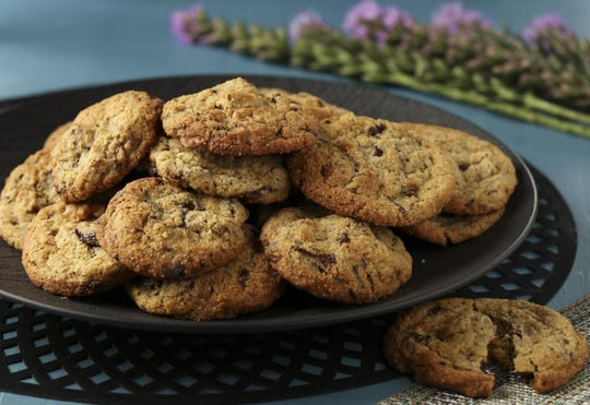 These chocolate and pecan cookies are made with almond flour and brown butter.