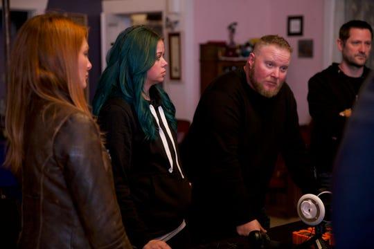 'Ghost Hunters' investigators Kristen Luman, Richel Stratton, Brian Murray and Grant Wilson discuss their work in Clifton, Arizona.