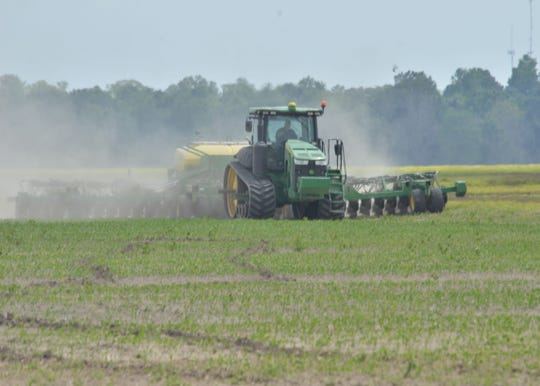 Soybean planting is underway in St. Landry Parish. Conditions in late March and early April 2020 have allowed farmers in the central part of the state to plant soybeans. The optimum planting window for soybeans in Louisiana is April 10 through May 10.