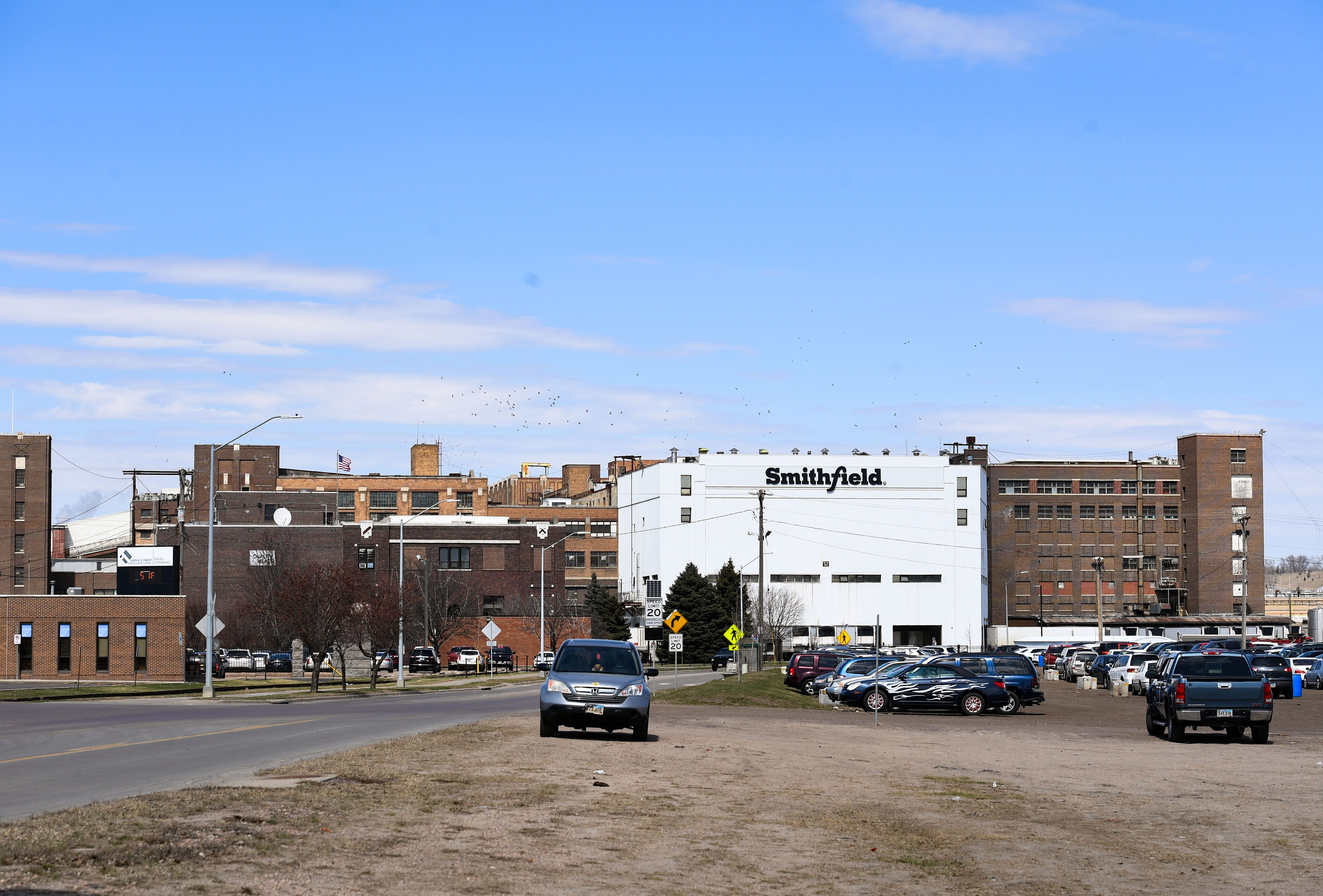 Smithfield Foods pushes to quash subpoena in investigation of COVID-19 outbreak at South Dakota plant
