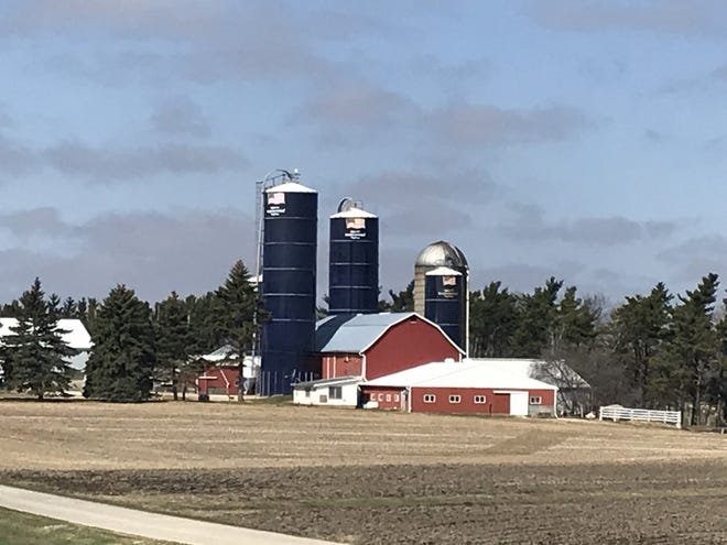Five Midwestern dairy groups told Ag Secretary Tom Vilsack if there were to be a Federal Milk Marketing Orders emergency hearing about reform, as some other organizations have called for, it's important that it be broad in scope.