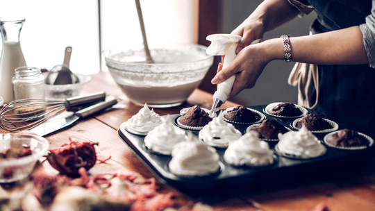 Who can turn down fresh-baked cupcakes?