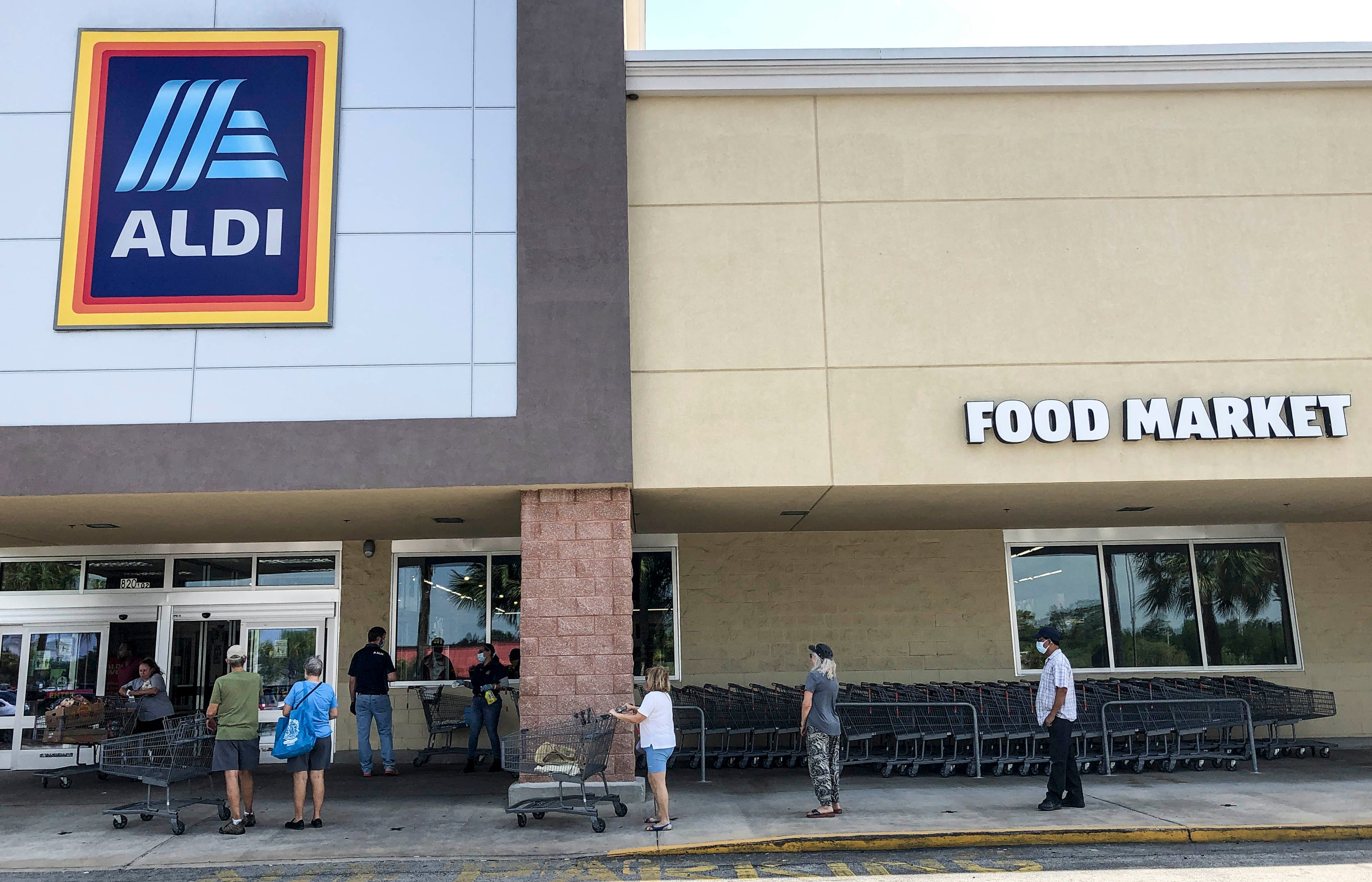 Aldi opening new stores and expanding curbside pickup with Instacart to 500 more locations in 2021