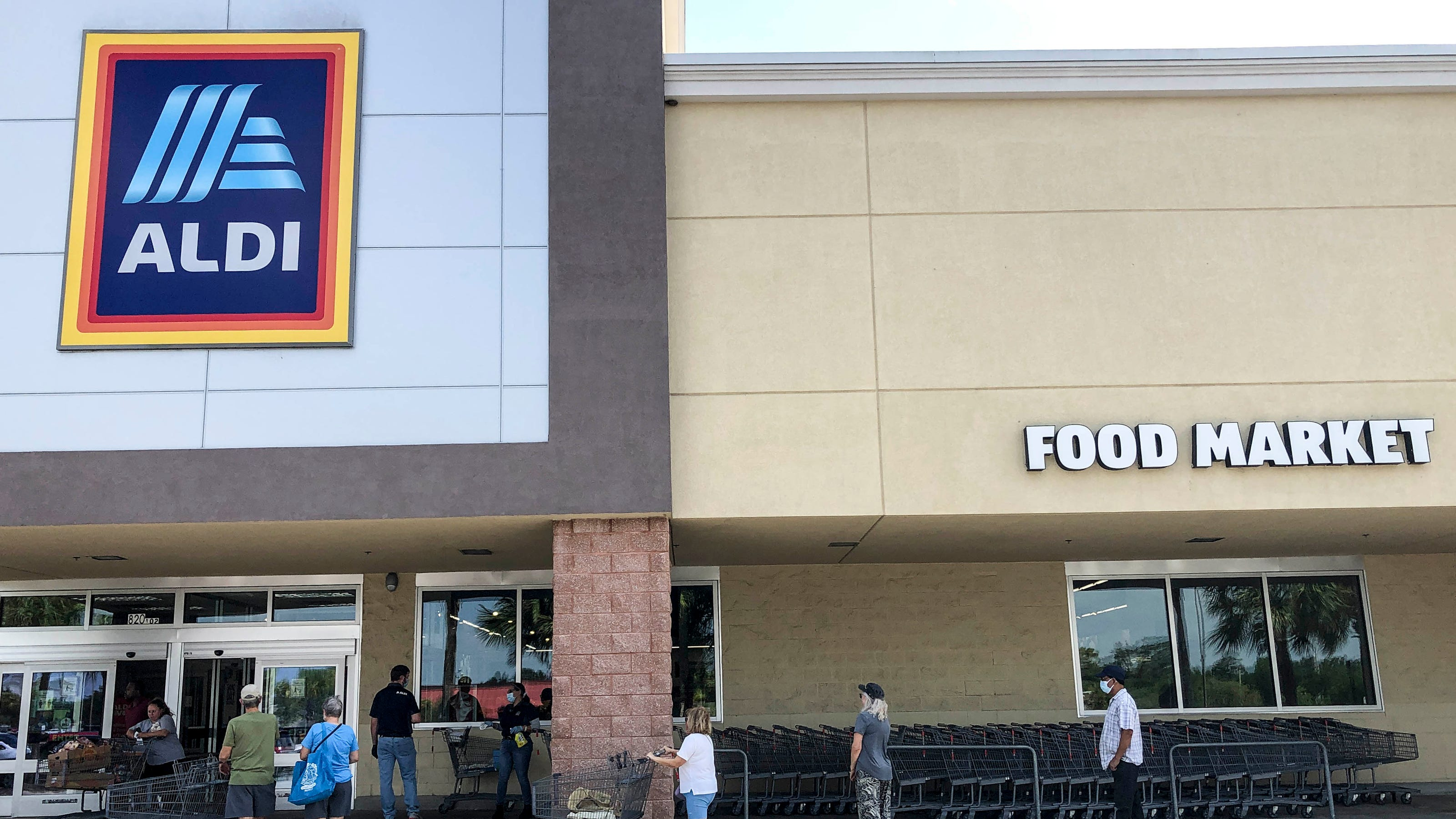 Aldi adding curbside grocery pickup to nearly 600 stores in 35 states this summer