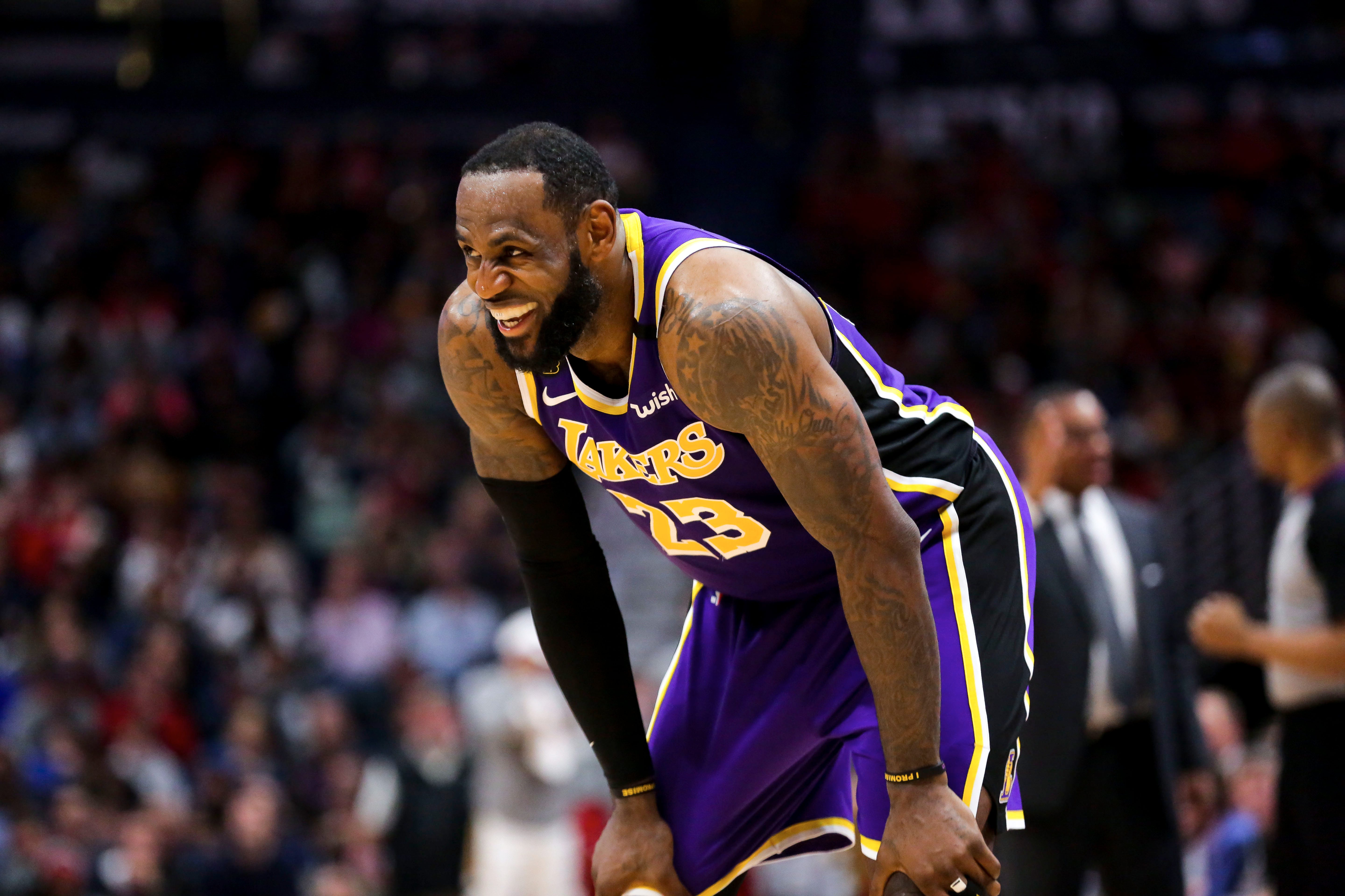 Opinion: Lakers  LeBron James keeping right perspective during coronavirus pandemic