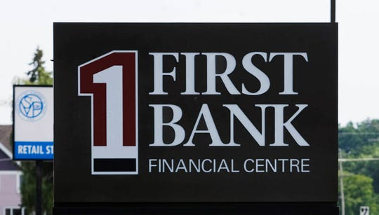 First Bank Financial Centre is planning to feedhundreds of healthcare workers while supporting 18 Milwaukee-area restaurants.