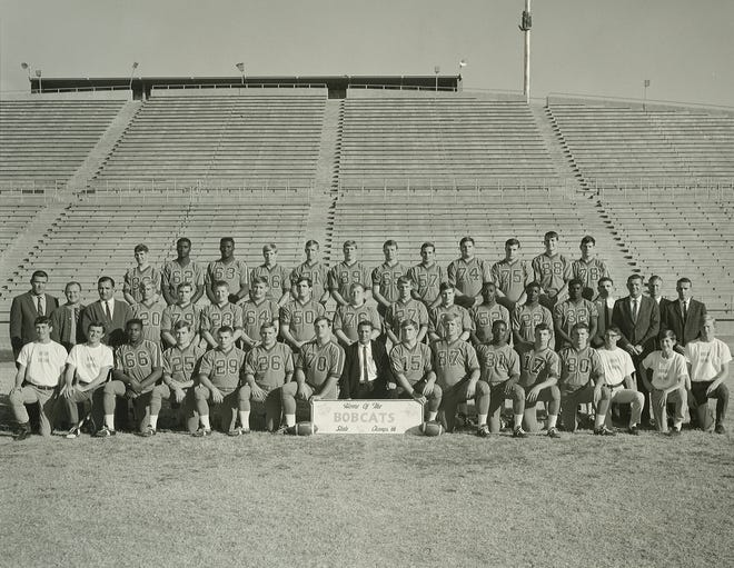 Team photo of the 1966 San Angelo Central High School football team, which won the Class 4A state title that year.