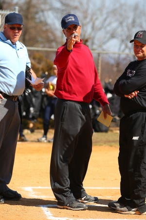 FDU-Florham softball coach Dante Fideli has announced his retirement.
