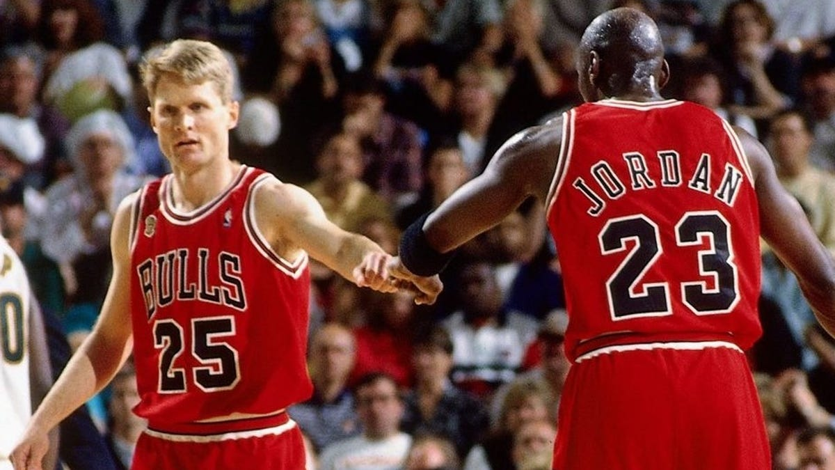 soltero Estricto Planificado  Steve Kerr: Michael Jordan punching me in face 'helped' relationship