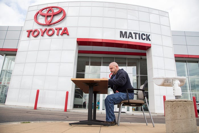 Car dealers reinvent car-shopping and buying experience for the coronavirus era