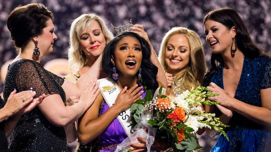 Miss Greene County Brianna Mason is crowned Miss Tennessee by four former Miss Tennessees at the Miss Tennessee Scholarship Competition at Thompson-Boling Arena in Knoxville, Tenn., on Saturday, June 29, 2019.