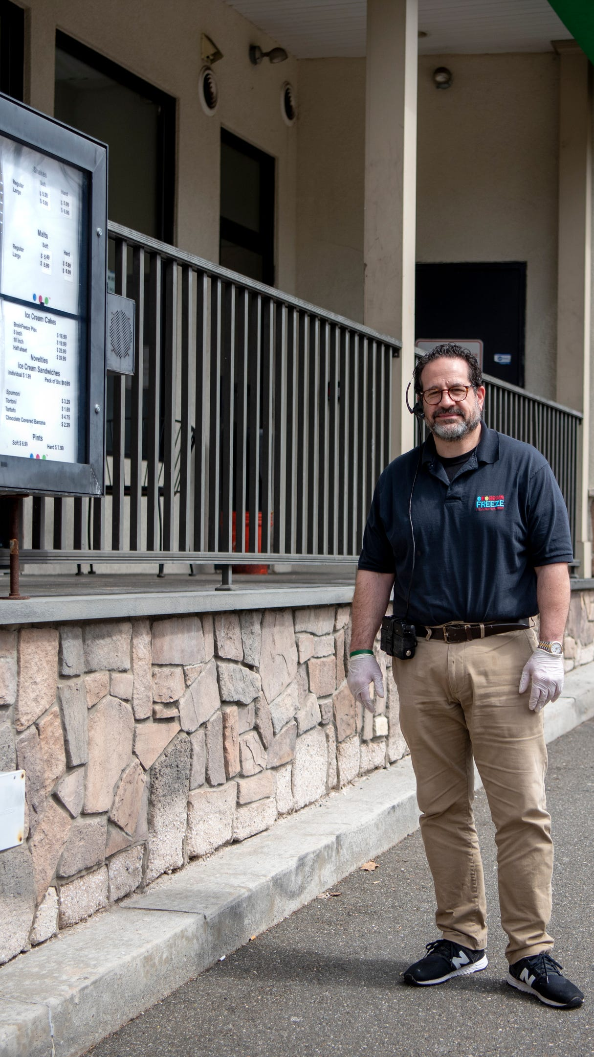 New Milford Ice Cream Store Shifts To Drive Thru Only Business During Coronavirus Pandemic Usa tus poderes para romper el hielo para romper. mpnnow com