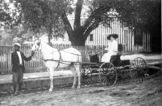 The Round Stable on the corner of Vine and Court streets in Opelousas during the early 1900s.