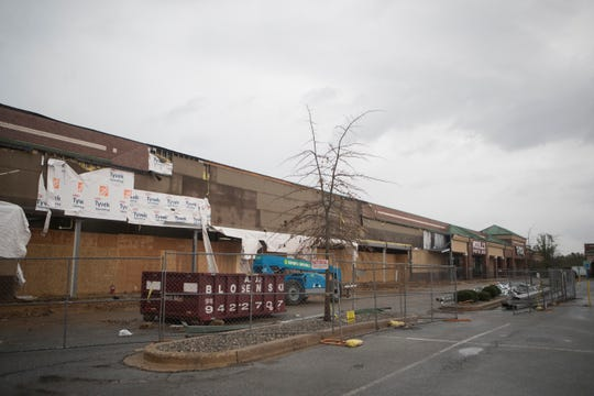 The future site of a Ross discount clothing store under construction at Center Pointe Plaza near the Christiana Hospital.