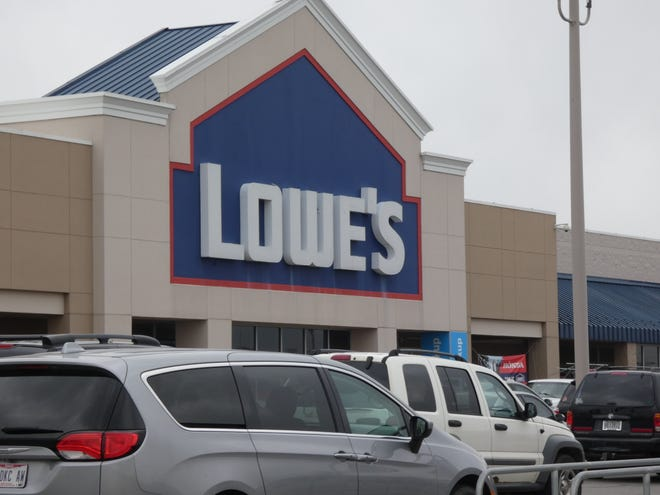 Lowe's is among the local businesses hiring, despite the troubling economic conditions the coronavirus pandemic has prompted.