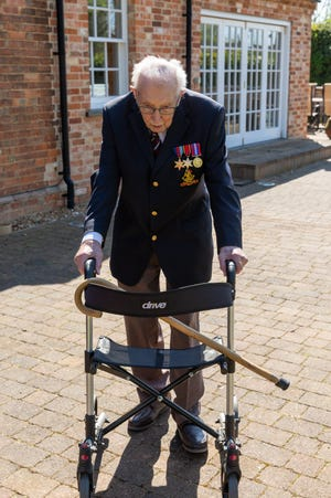 UK vet walked to raise millions