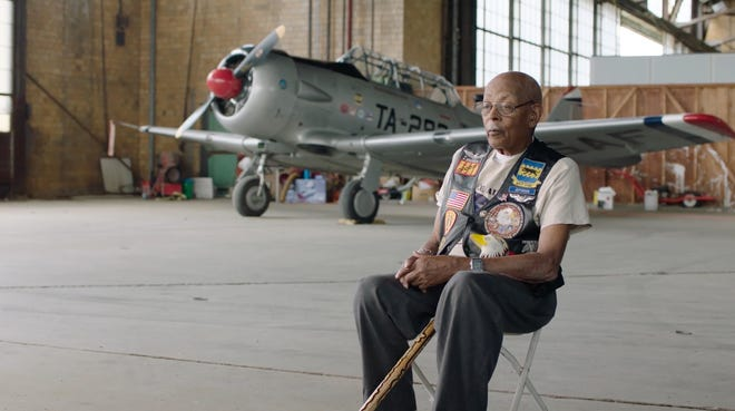 """In """"Through the Flak: War Stories of the Tuskegee Airmen,"""" two Detroiters recount their experiences as part of the first group of African-American military pilots to fight in a world war."""