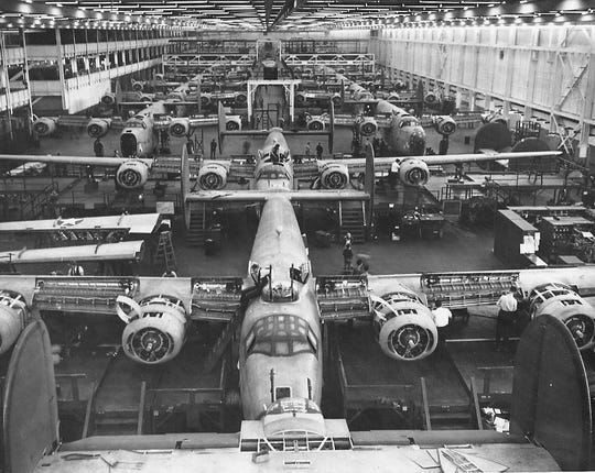 B24s under construction at Ford's Willow Run plant in 1943.