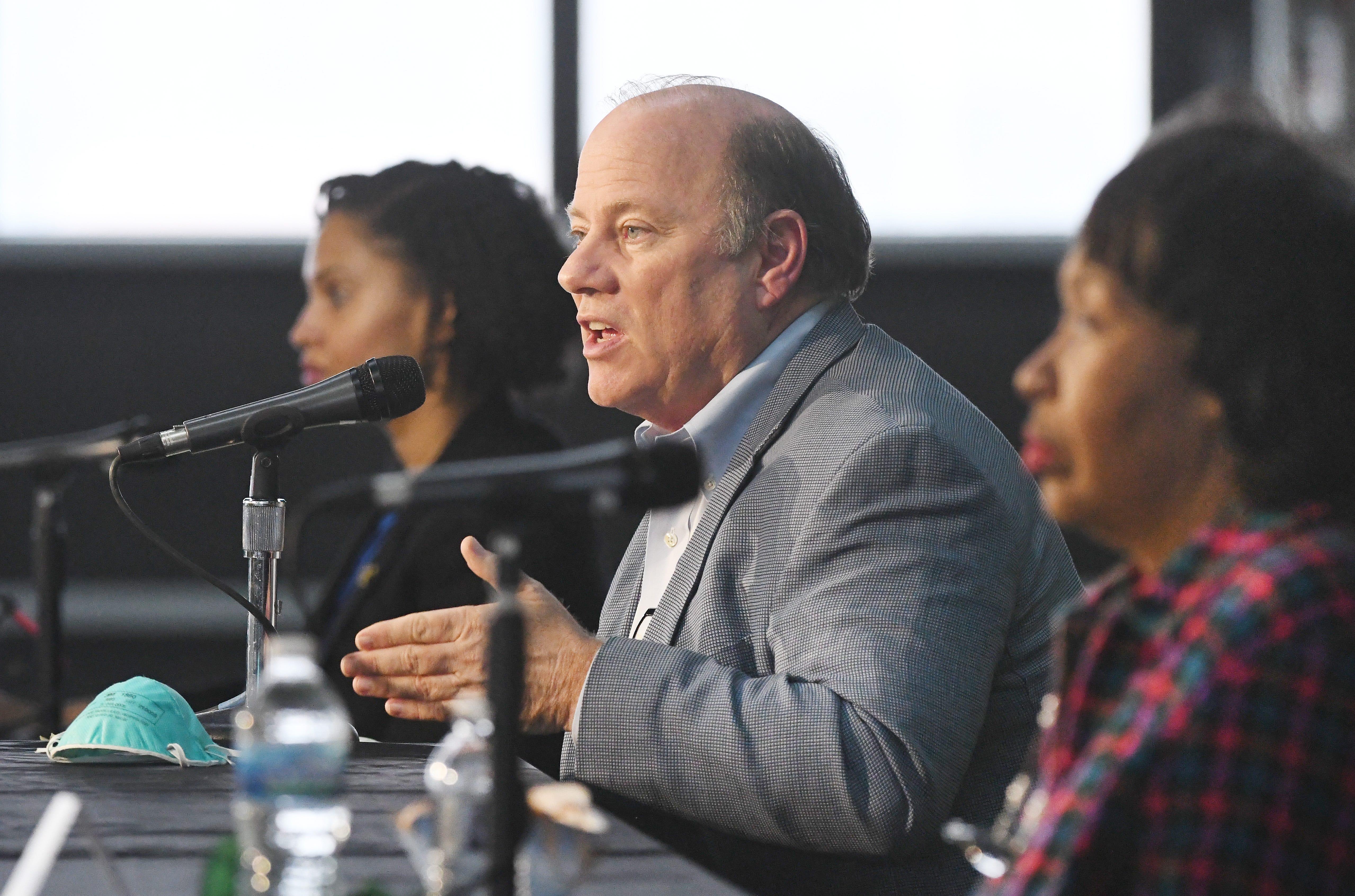 Duggan urges Detroiters to fill Census 20 COVID-19...