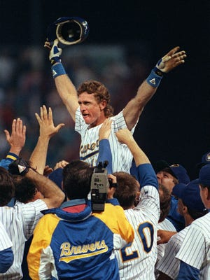 At County Stadium in front of 47,589 home fans, Robin Yount becomes the 17th player and third youngest to reach the 3000 career hit milestone when he singles off of Cleveland Indian reliever Jose Mesa September 9, 1992.