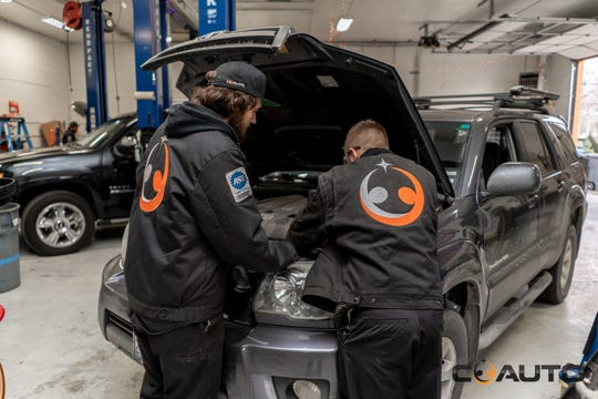 CoAuto, a vehicle repair shop in Reno, is offering free oil changes to medical providers.