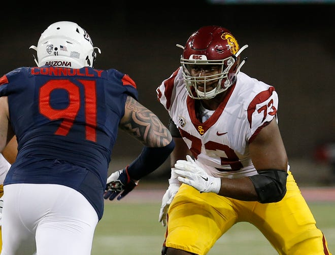 Southern California offensive tackle Austin Jackson (73) in the first half during a game against Arizona.