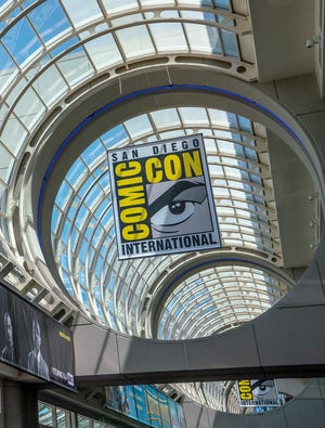 Comic-Con organizers set a Thanksgiving weekend date for the 2021 convention.
