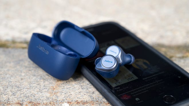 Cyber Monday 2020: The best deals on our favorite headphones.