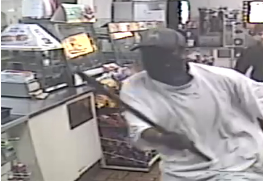 Police are looking fora pipe-wielding manwho was thwarted in an allegedrobbery after hitting a clerk at a south Fort Myers convenience store Sunday morning.