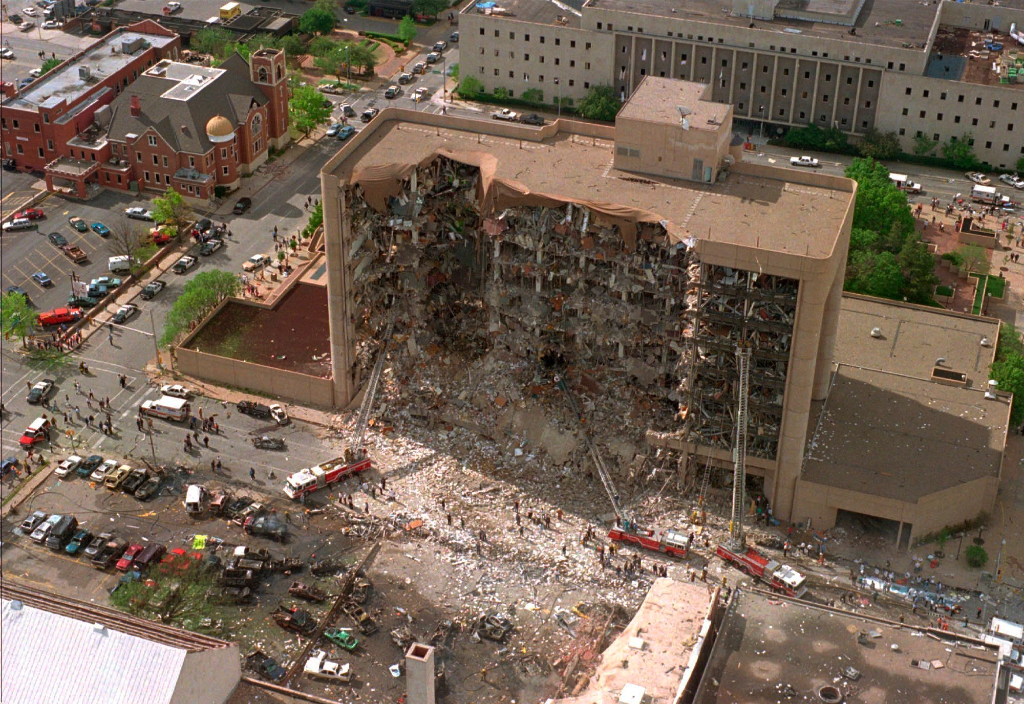 With angels near : Dozens visit closed memorial to mark 25th anniversary of Oklahoma City bombing
