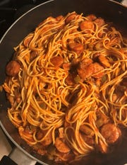 The sauce to noodle ratio is perfect in Creamette's recipe for Thin Spaghetti All 'Italiano found on a package of thin spaghetti. Plus, there's a half box of noodles to use at a later date.