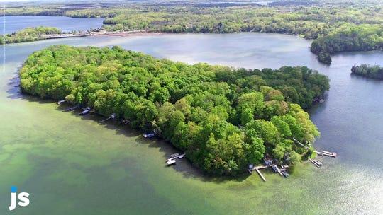 Sugar Island on Lower Nemahbin Lake in Waukesha County