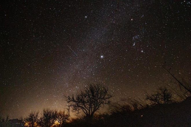 The Glenwood Ranger District, Gila National Forest is hosting a free Dark Sky Photography Class on November 14 from 5:30 to10 p.m.