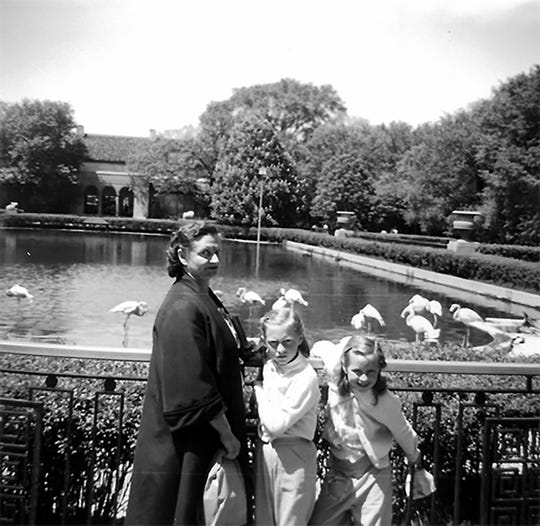 Photo from 1959, Isabelle, Susan and her sister Karen at Brookfield Zoo.