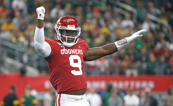 Oklahoma linebacker Kenneth Murray celebrates after a play during the Big 12 Championship in December.