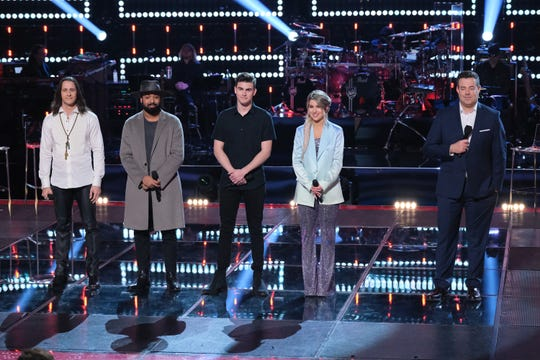 The first-ever Four-Way Knockout Rounds featured from left, Todd Michael Hall, Nelson Cade III, Mason resident Michael Williams, and Samantha Howell. Host is Carson Daly.
