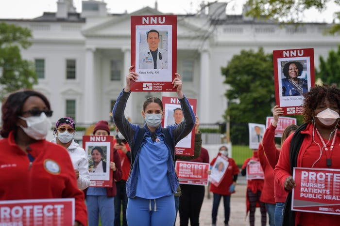 Nurses read names of colleagues who died of COVID-19 in protest outside White House