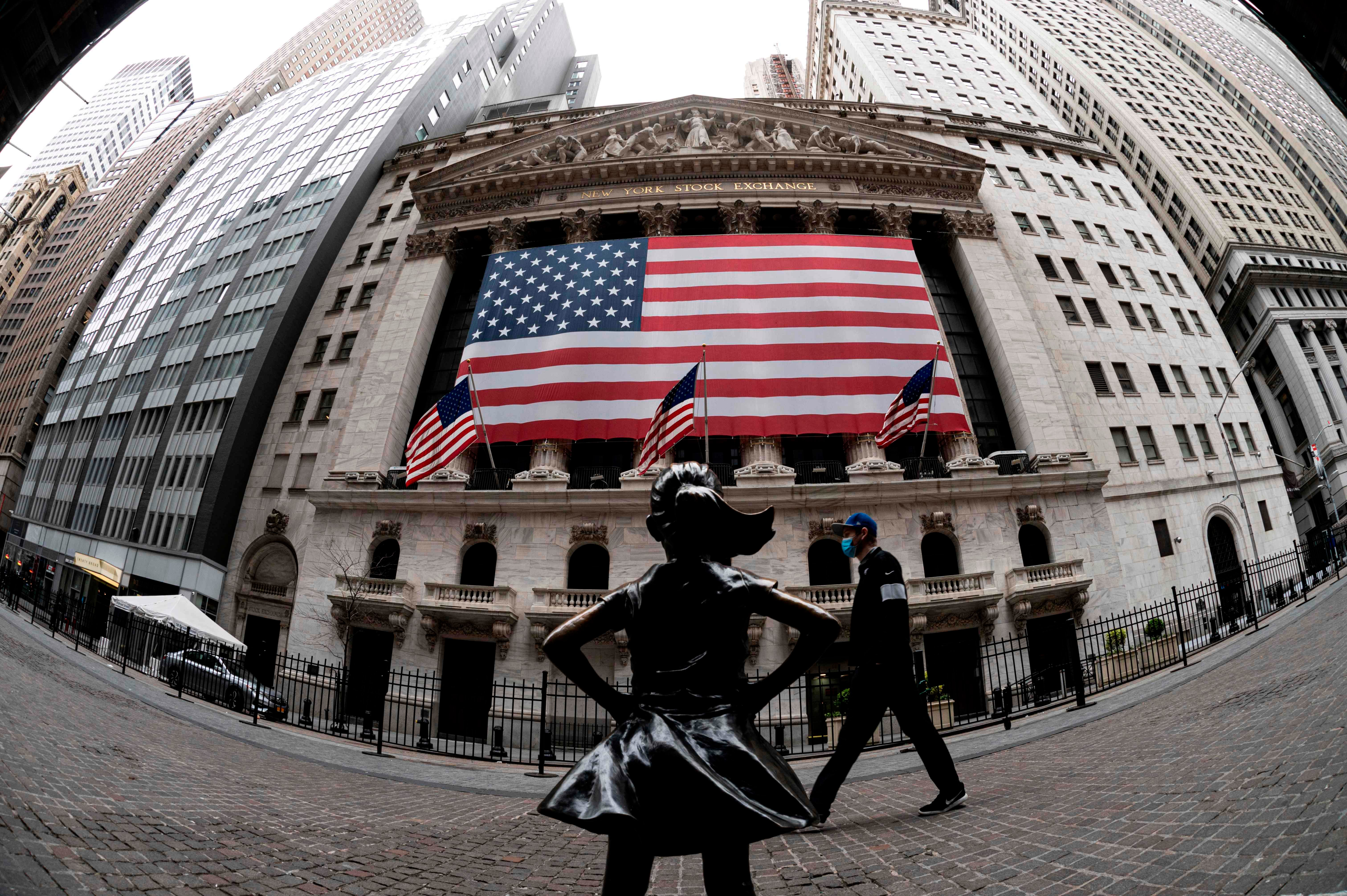 Dow sheds 500 points on fears of contagion from China real estate